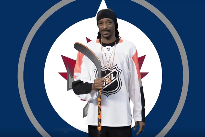 https://etcanada.com/news/316052/snoop-dogg-catches-winnipeg-jets-playoff-fever/